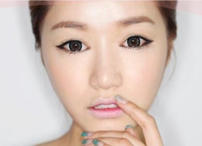 韩式猫眼妆怎样才能自然媚惑